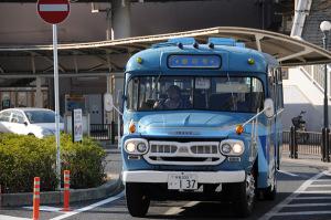 ボンネットバス01