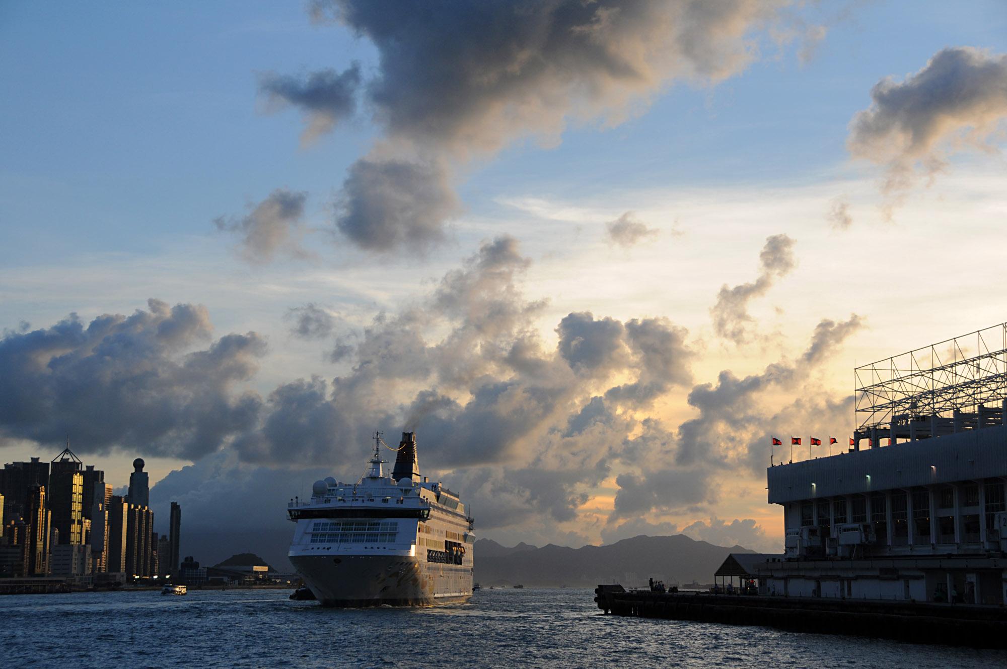 香港 先週末、香港に行ってました。LCCのPeachの香港就航記念のバーゲンチ... 先週末、香